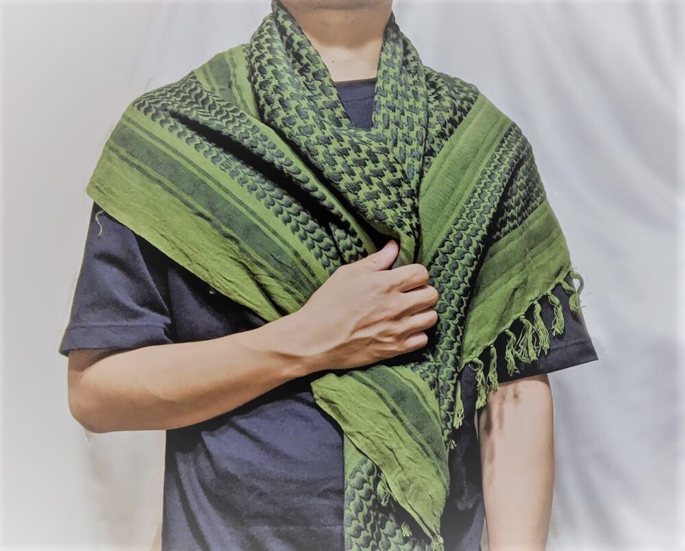 アフガンストールの羽織るだけ巻き